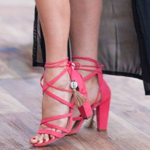 EXPRESS CORAL WRAP HEELED SANDALS w/ TASSEL